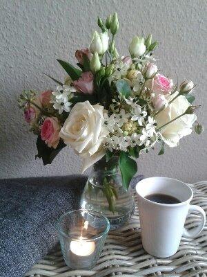 Liebe Sonntagsgrüße und genießt den Nachmittag